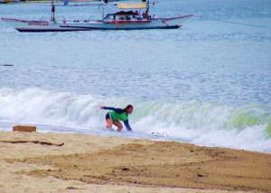 LMC_Laiya waves