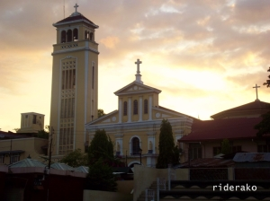 I never been to Manaoag Church so I took the extra 12kms one-way to pay a visit. Too bad, I can't find a parking place near the church. I'm back on my planned route at 06:20 AM